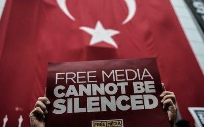 UPDATE: Giornalisti turchi rischiano fino a 43 anni di carcere. Tra loro anche Kadri Gursel