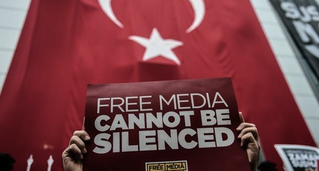 Giornalisti turchi rischiano fino a 43 anni di carcere. Tra loro anche Kadri Gursel