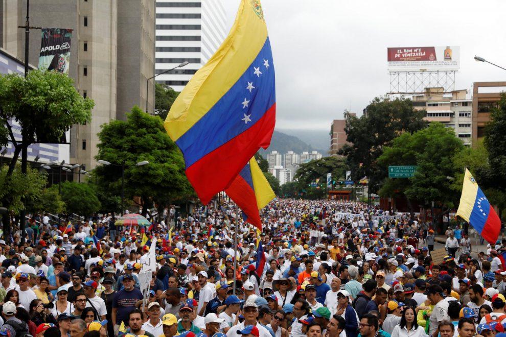 ESCLUSIVA IMBAVAGLIATI: Venezuela, quel grido di aiuto che non possiamo ignorare. Un video di attivisti racconta il dramma del Paese.