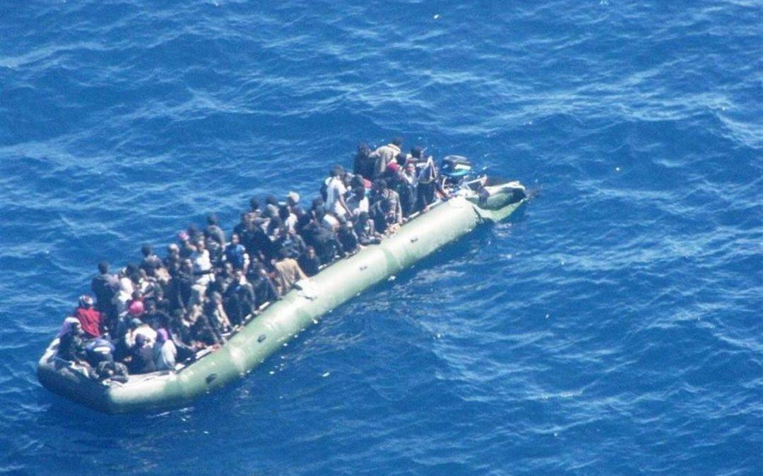 Ondata di gommoni nel 2017: 20.000 immigrati segnano un record dal 2006 – di Ignacio Cembrero