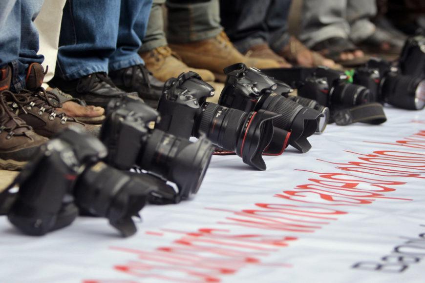Fotoreporter aggredito a Napoli, solidarietà di Fnsi e Sindacato giornalisti Campania