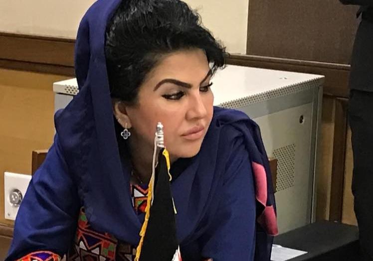 Kabul, uccisa sulla porta di casa la giornalista/attivista Mina Mangal